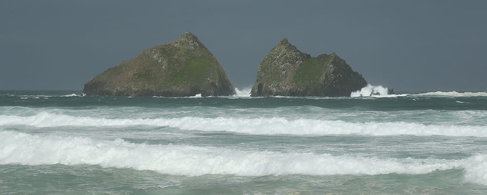 Gull Rock, Holywell Bay